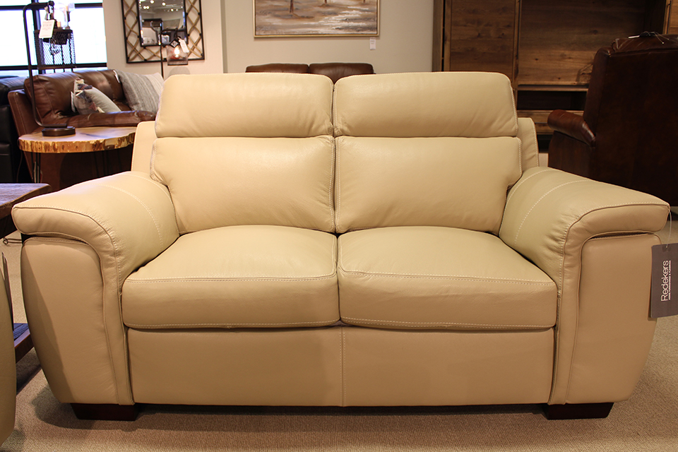 Leather Living Harbour Biscuit Loveseat