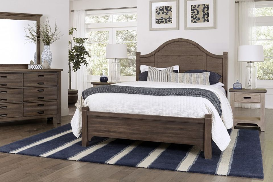 Vaughan Bassett Bungalow Queen Bed - Folkstone